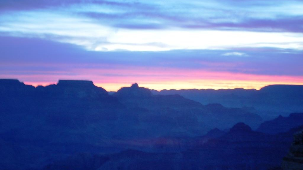 For a longer hike, a sunrise start is a good idea in the warmer months.